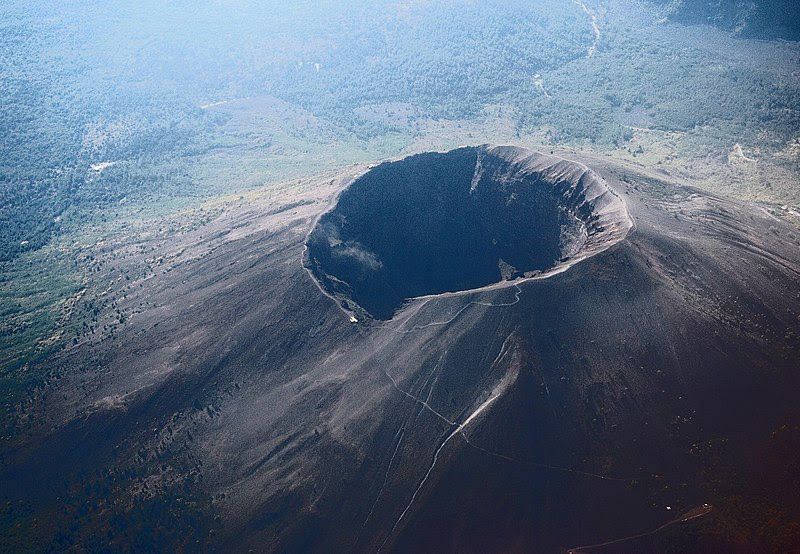 File:Vesuvius from plane.jpg