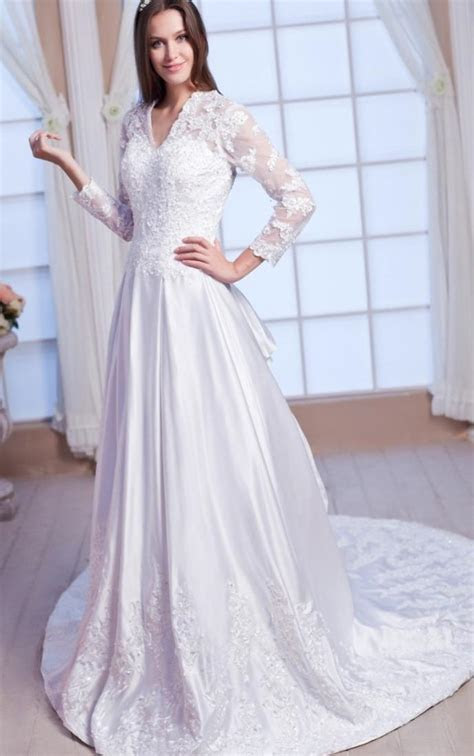Renaissance wedding dresses plus size   PlusLook.eu Collection