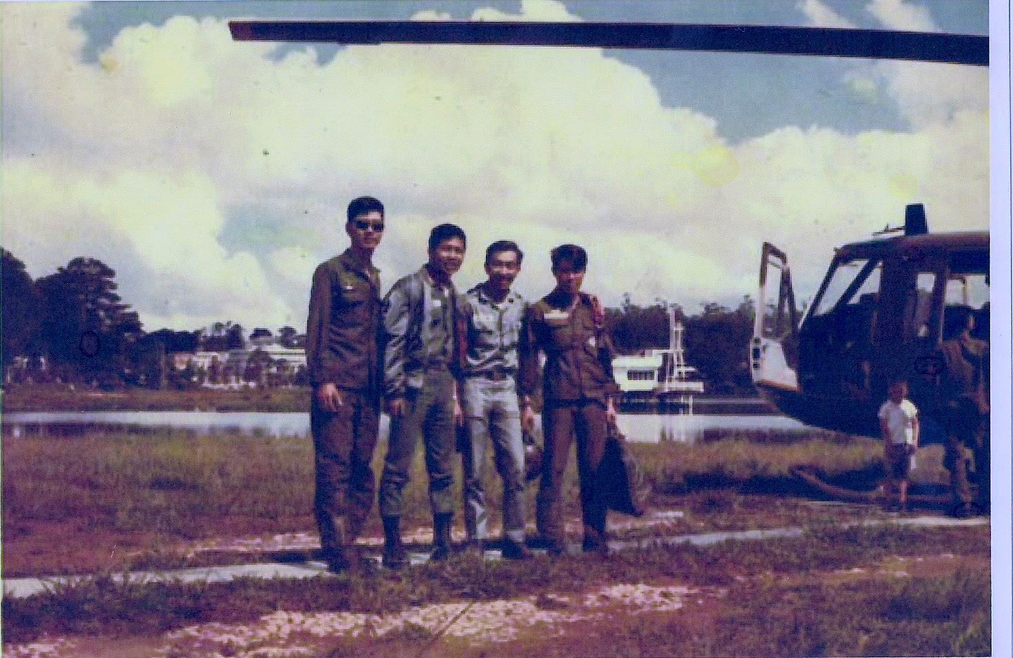 BS Ngô Thế Khanh, BS Hà Chu Hằng QYV Pleiku cùng 2 SQKQ tại Đà Lạt năm 1973