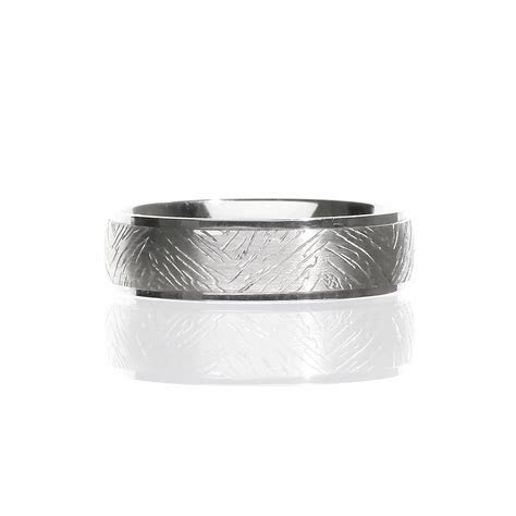 Men's Wood Bark Pattern Wedding Band in 14 Karat White Gold