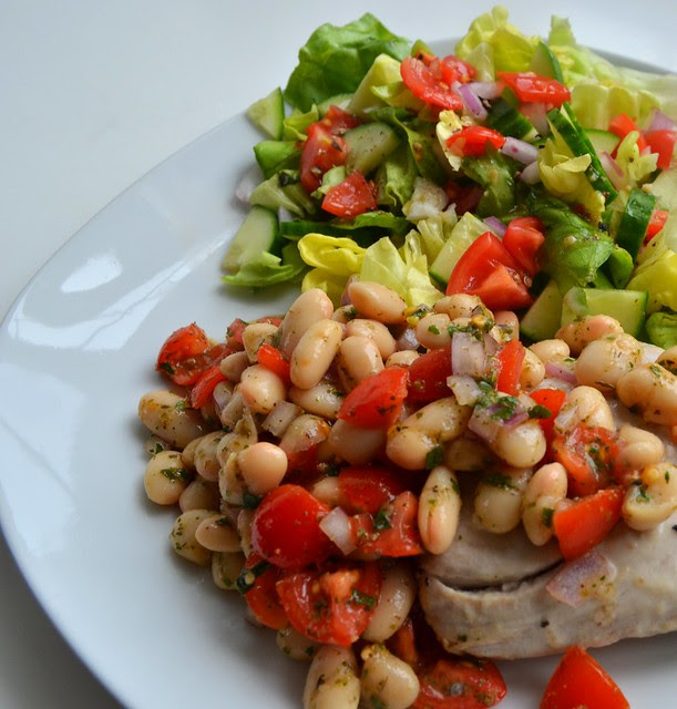 Tuna Steak w/ White Beans & Salad