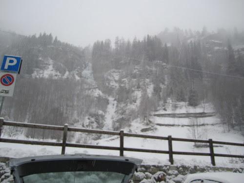La cascata dal parrcheggio