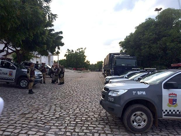 Ao todo, participam da operação 120 policiais (Foto: Divulgação/PM)