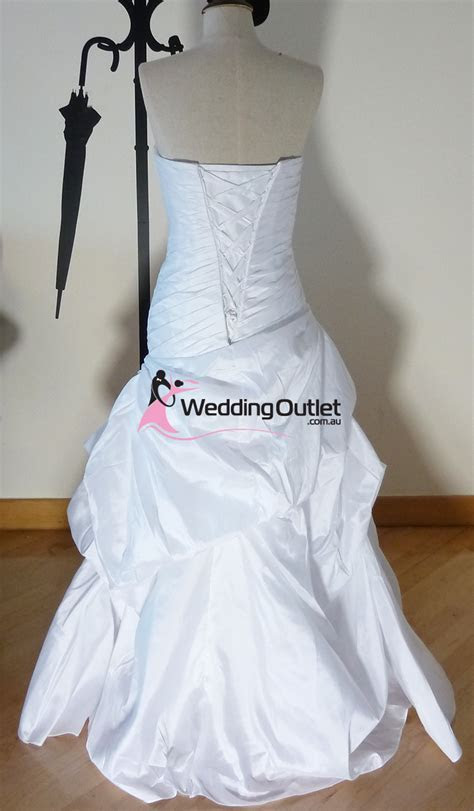 Victoria ruffle mermaid wedding dress   WeddingOutlet.com.au