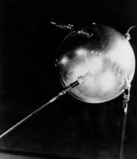La IAF conmemora el 50 aniversario del lanzamiento del Sputnik 1
