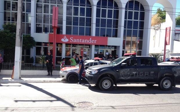 Polícia foi acionada para a ocorrência (Foto: Micaelle Morais/G1)