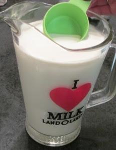 "Skimming cream from milk, Skimming milk, glass pitcher, ""I Love Milk"", Land O' Lakes pitcher, Milk, Cream,"
