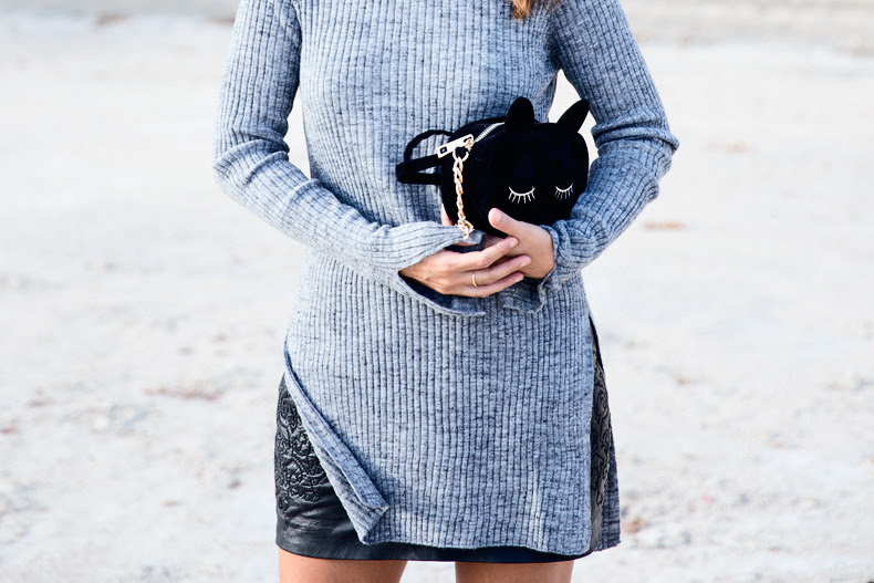 Black_Leather_Skirt-Brogues-Grey_Top-Cat_Bag-Outfit-Street_Style-Paris_Fashion_Week-PFW-21