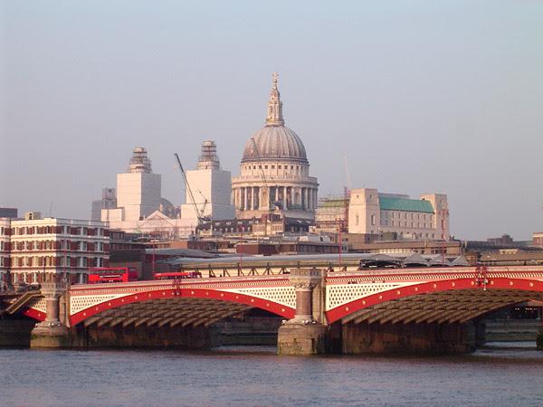File:Blackfriars Bridge, River Thames, London, with St Pauls Cathedral.jpg