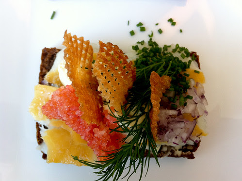 Smoked fish, roe, shallots, chives and crisps on rye
