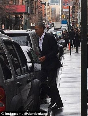 Barack gets into the car