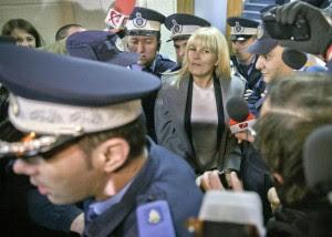 Ish-ministrja e turizmit Elena Udrea. Foto: AP