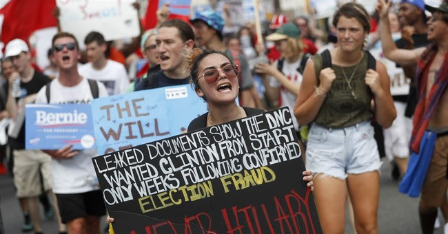 "Ha: California Delegates Change ""Hillary"" Signs To ""Liar"""