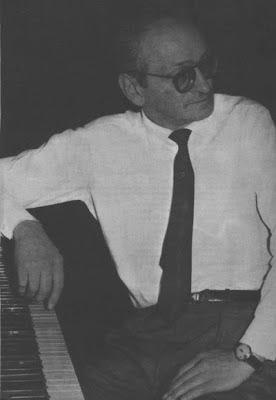 Osvaldo Pugliese durante una grabación en 1969