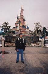 Di hadapan Sleeping Beauty Castle, Disneyland Paris, France