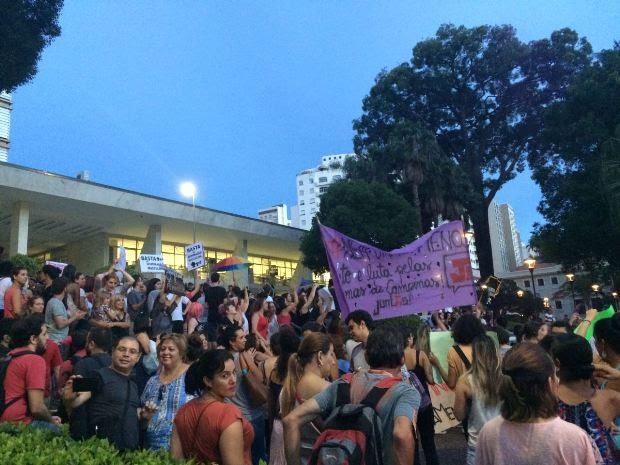 Ato foi encerrado nas escadarias da Prefeitura de Campinas (Foto: Roberta Steganha / G1)