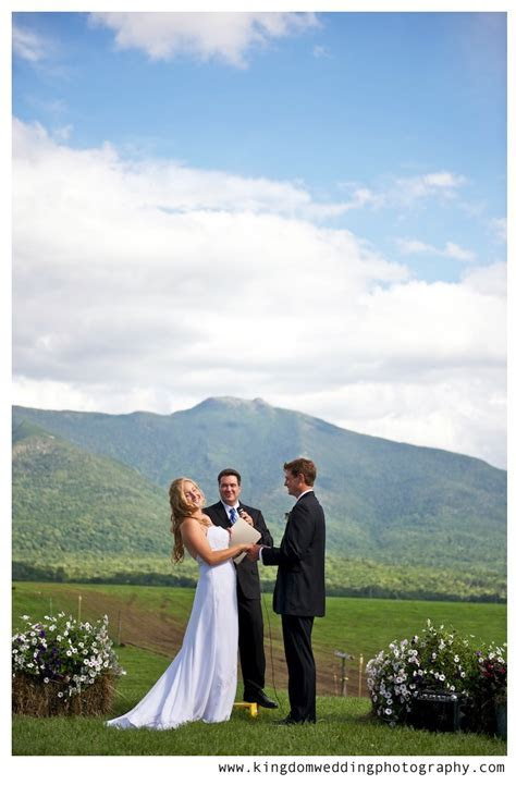 A fun & relaxed Vermont farm wedding with lovely DIY