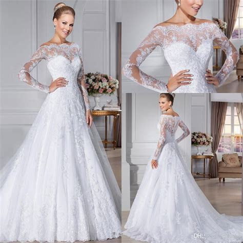 2016 Glamorous Button Back Lace Wedding Dresses Off the