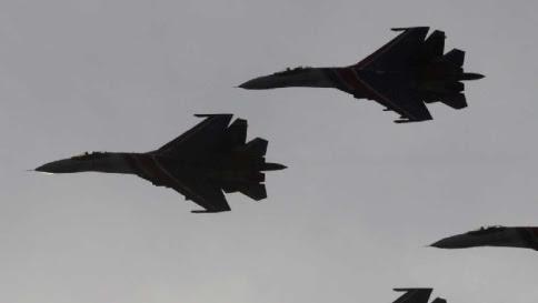 Siria, arrivano i primi caccia di Mosca Prove di disgelo tra Usa e Russia