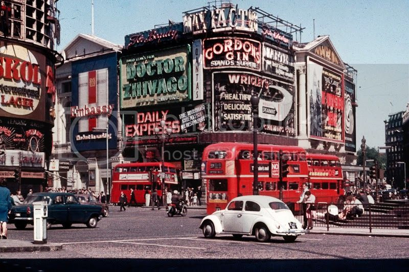 photo Street Scenes of London in 1966 2_zpskp5b2mjb.jpg