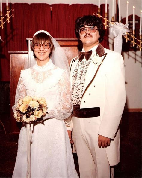 1979 wedding couple with glasses   1970s real vintage