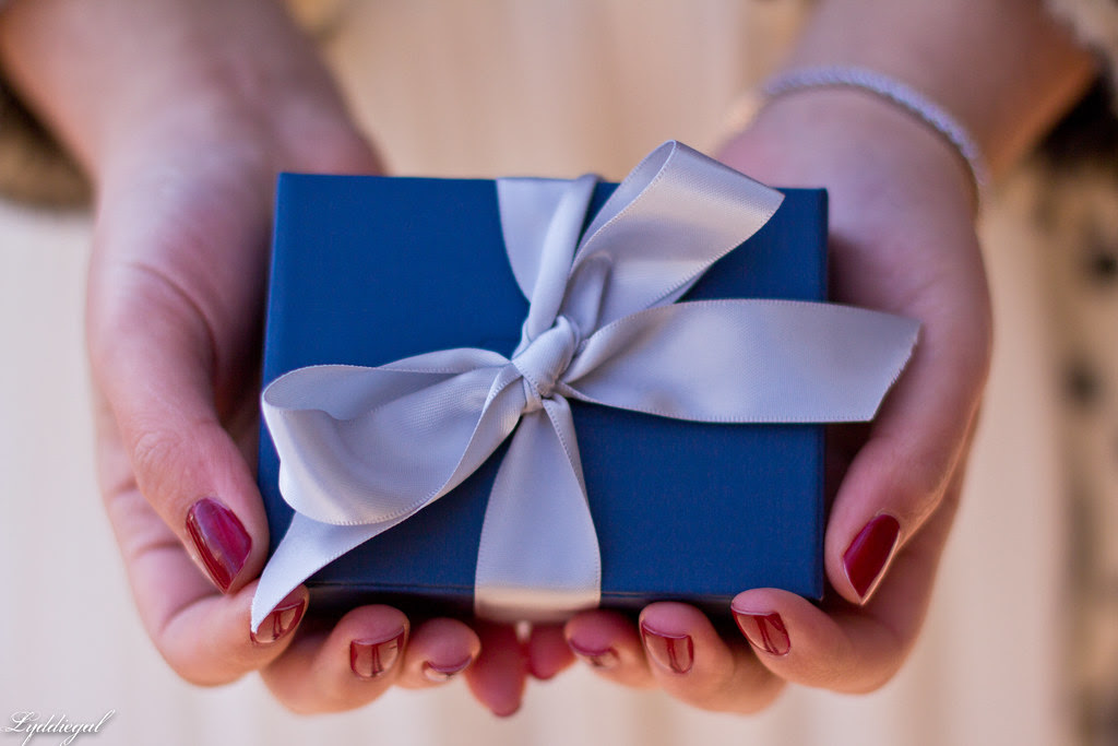 blue nile gift box-1.jpg