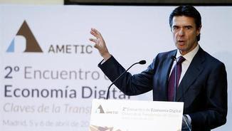 El ministre d'Indústria, José Manuel Soria, en una intervenció la setmana passada a Madrid (EFE)