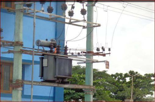 செயமங்கலம்-தீப்பற்றி எரியும் மின்மாற்றி :104_seayamangalam_transformer_firing
