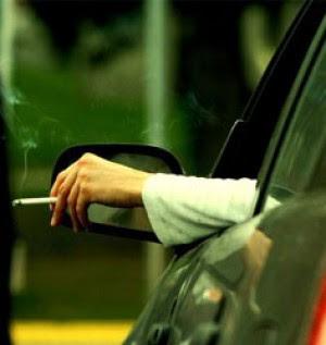 Fumare dentro la macchina fa male cento volte di più