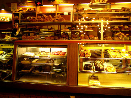 canter's bakery counter