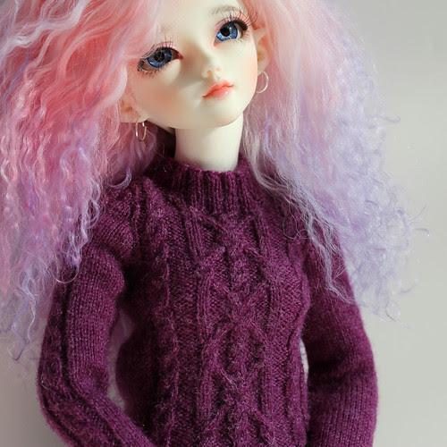 Box opening sweater