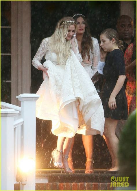 Ashlee Simpson's Wedding Dress Revealed   See Pics From