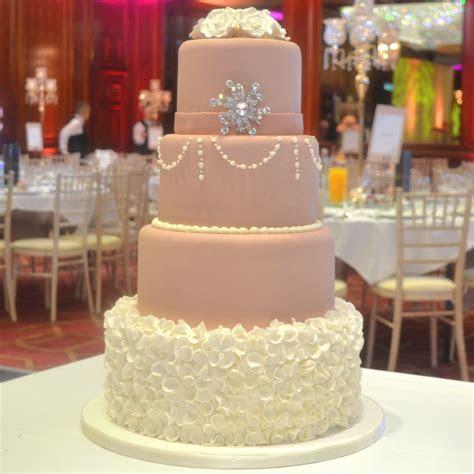 Icing Wedding Cake WIC 035   Paul's Bakery