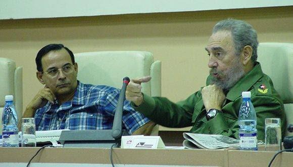 Fidel durante el VI Pleno del Comité Nacional de la Unión de Periodistas de Cuba (UPEC), 24 de marzo de 2003. Foto: Sitio Fidel Soldado de las Ideas.