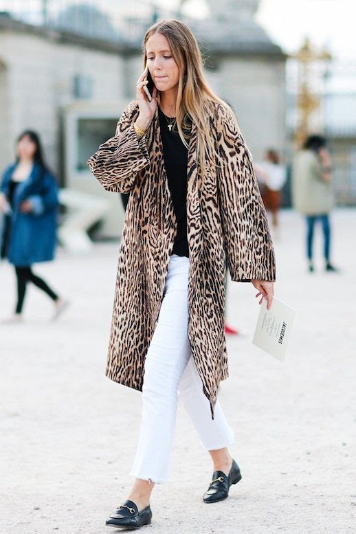 How To Wear Leopard Print Coat Jacket Fall Street Style Outfit Jennifer Neyt White Jeans Gucci Loafers Le Fashion Blog