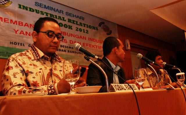 Seminar Membangun Hubungan Industrial