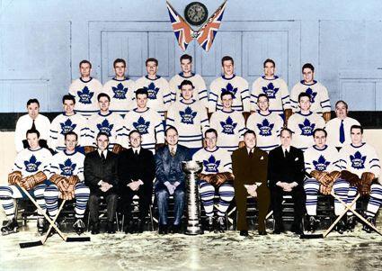 1944-45 Toronto Maple Leafs team photo 1944-45TorontoMapleLeafsteam.jpg