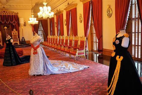Discover the Iolani Palace