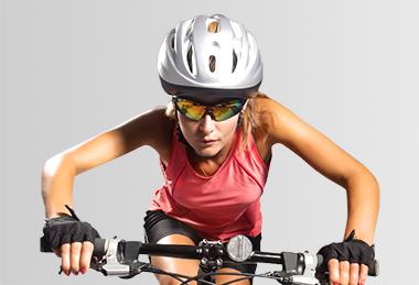 Resultado de imagem para óculos de sol e os esportes