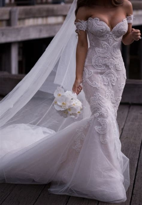 Steven Khalil Custom made Used Wedding Dress on Sale 76%