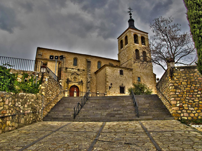 Resultado de imagen de La Iglesia de Santa María (siglo XVI) cogolludo