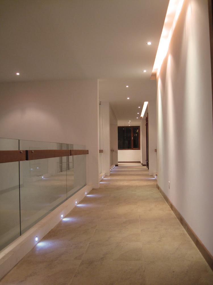 Residencia mezz najas arquitectos tecno haus for Diseno pasillos interiores