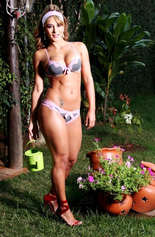Lucilene Caetano de lingerie (Foto: Rubens Cerqueira)