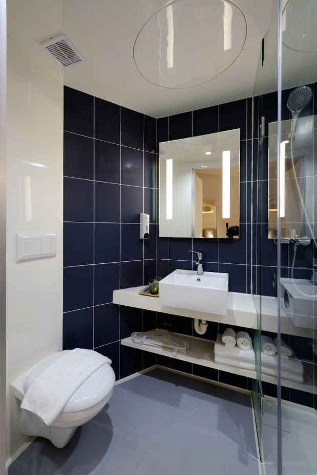 3 Actionable Ways to Make a Small Bathroom Look Bigger