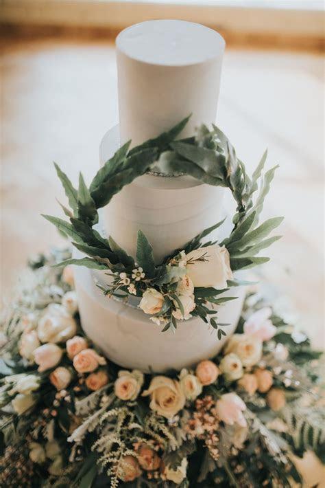 837 best Unique Wedding Cakes images on Pinterest