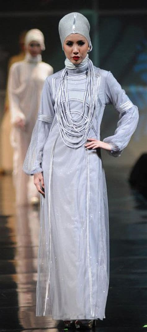 Gown Trends 2011   Irna Muslim Wedding Dress La Perle