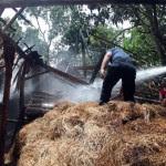 KEBAKARAN SRAGEN : Gudang Jerami di Gondang Ludes Terbakar