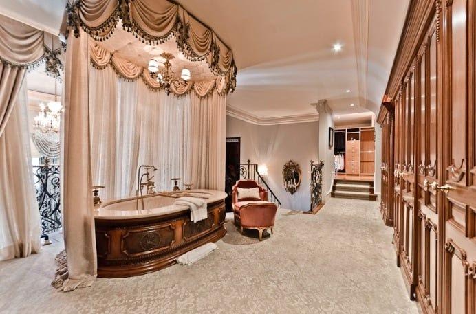 Luxurious Master Bathrooms - Business Insider