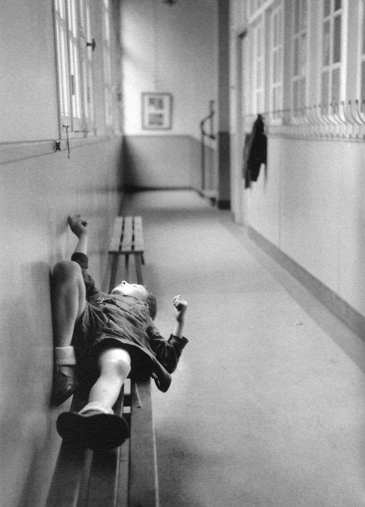 Robert Doisneau | back to school | naughty corner | hallway | boredom