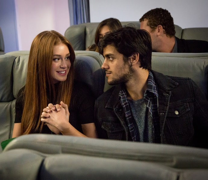Eliza e Jonatas viajam para Paris juntos (Foto: Fabiano Battaglin / Gshow)